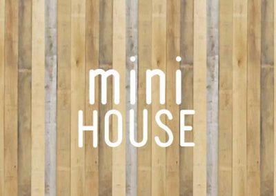 Mini house : Rénovation, extension, et surélévation d'une petite maison